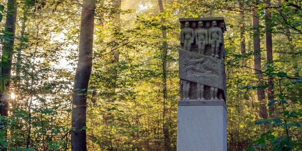 Skulptur auf dem Weg zur Mitte von Baden-Württembeg
