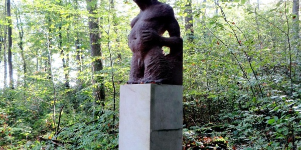 Skulptur auf dem Weg zur Mitte von Baden-Württemberg