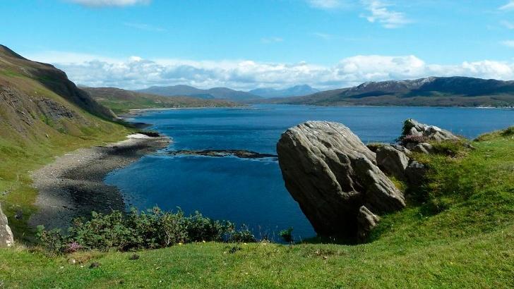An der Küste von Loch Slapin und Loch Eishort (7825)