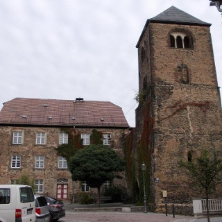 Peterskirche und Schulgebäude - Weida
