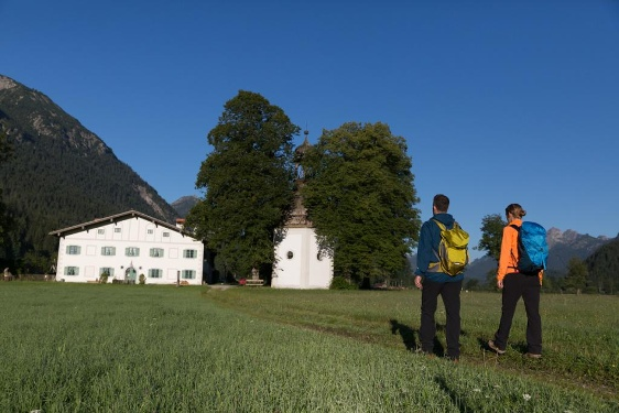 Ammergau Alps Meditation Trail: 14th Stage – St. Gertrude's Chapel - Linderhof Palace