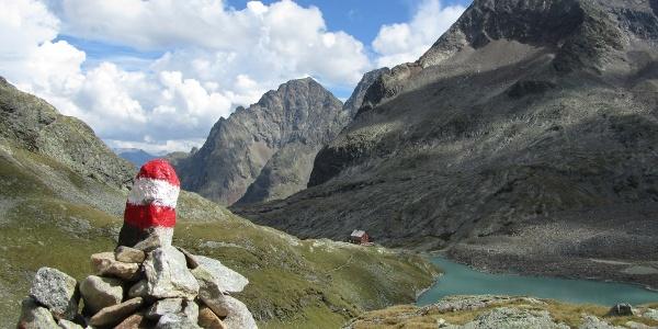 Hütte am Gradensee, Blick beim Abstieg aus der niederen Gradenscharte