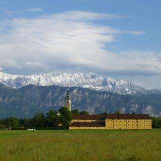 Kloster Reisach vor dem Kaisergebirge