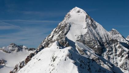 Klassischer Blick vom Gipfel auf die Königsspitze