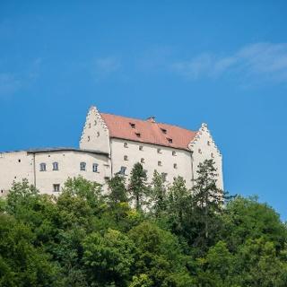 Rosenburg mit Falkenhof in Riedenburg im Altmühltal