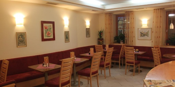 Café Neuhauser01