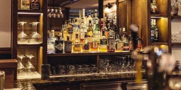 Apero Bar Hotel Spescha Lenzerheide 1