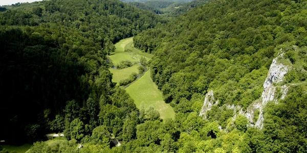 Burgfelsenpfad - Blick vom Wartstein ins Große Lautertal