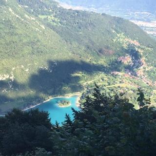 Il lago di Tenno dall'alto