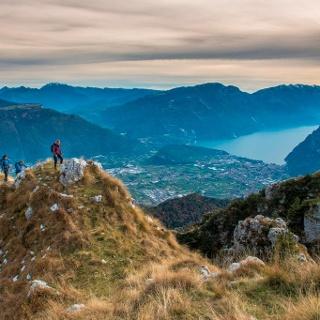 Ausblick vom Gipfel des Monte Misone