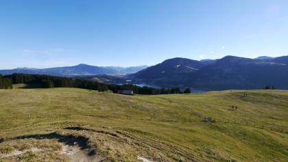 Ausblick vom Aussichtspunkt auf Alpsee und Allgäuer Alpen