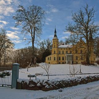 Golchener Schloss mit Park