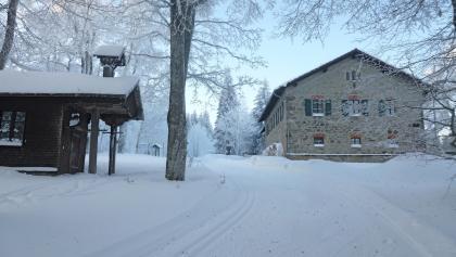 Ödwies mit Kapelle und früherem Forsthaus