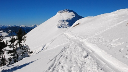 Am Gipfel des Hohen Waxeneggs: Einfahrt in die östliche Nordrinne
