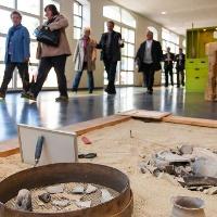 Ausstellung mit Siedlungsgrube