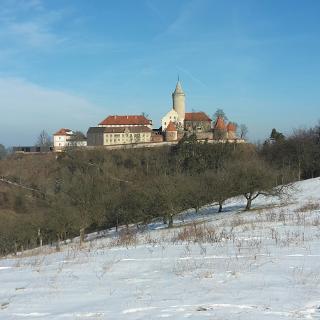Pfaffenberg_Blick_auf_Leuchtenburg