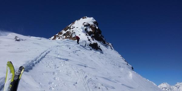 Letzter Gipfelanstieg ohne Skier
