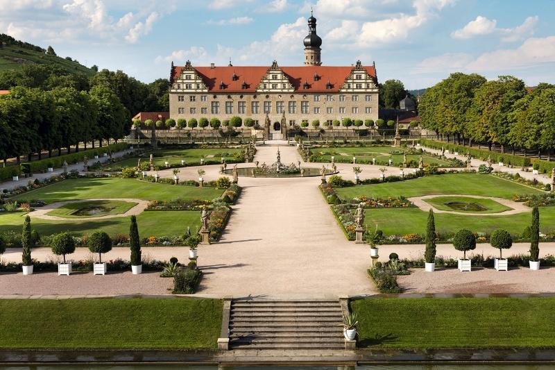 Schloss Weikersheim gilt als das schönste der hohenlohischer Schlösser. Insbesondere sein barocker Prachtgarten fasziniert.