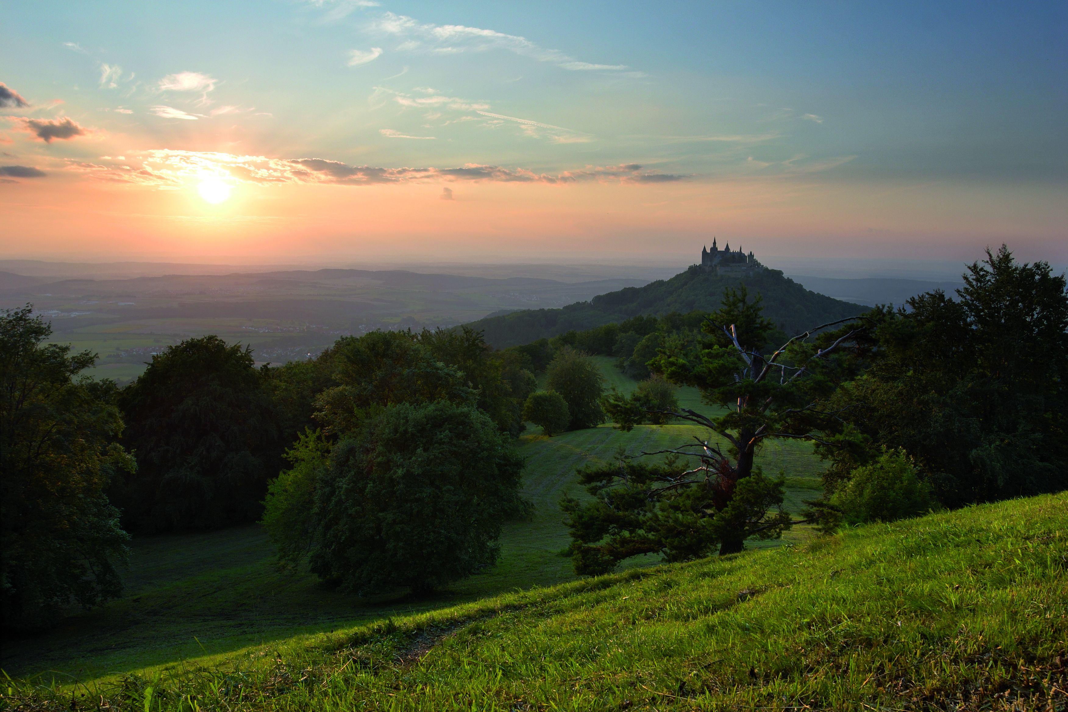 Burg Hohenzollern im Abendlicht