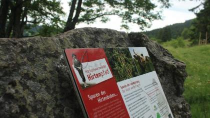Informationstafel am Hirtenpfad
