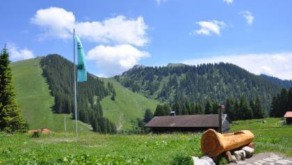 Blick hinüber zum Taubenstein - eines von vielen Tageszielen um die Hütte