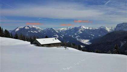 Die wunderbare Aussicht von der Rotenbachalpe in den Hinteren Bregenzerwald.