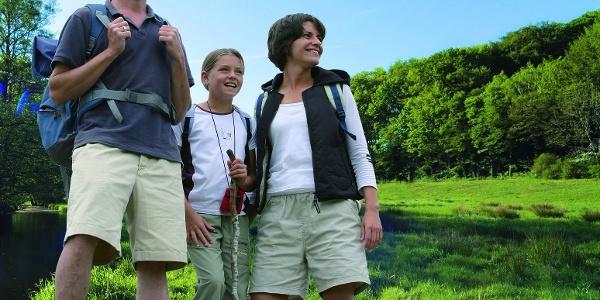 Der steigungsarme Wegverlauf macht den Hünenweg ideal für Familien