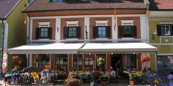 Gasthof - Pension Zum goldenen Rössl