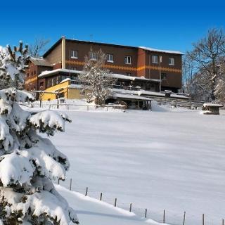 ÖTK-Hocheckschutzhaus (Ostseite) im Winter