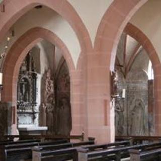 Blick zur Dalbergschen Grabkapelle
