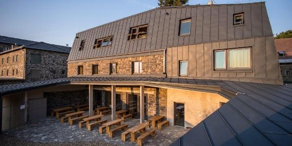 Galyatető Touristenzentrum -Innenhof