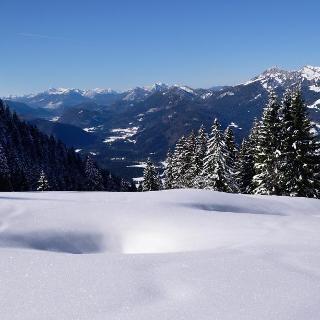 Blick in die Jachenau, Benediktenwand und Brauneck