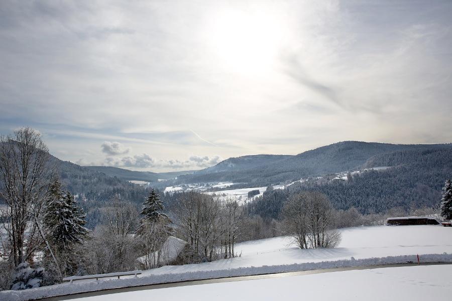 Schöne Aussichten ins winterliche Murgtal