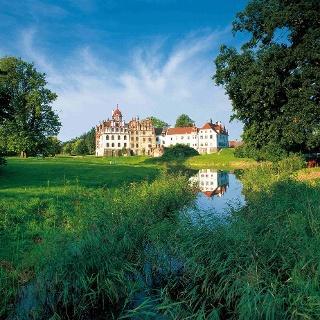 Schloss Basedow mit Landschaftspark