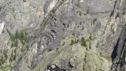 Die markante Kante der Palavar-les-Flots die von der linken unteren Bildkante bis zur rechts oberen Bildkante zu sehen ist. Der Vorbau unten ist der Palarvar Minus