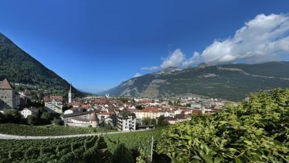 Panoramablick auf die malerische und autofreie Churer Altstadt
