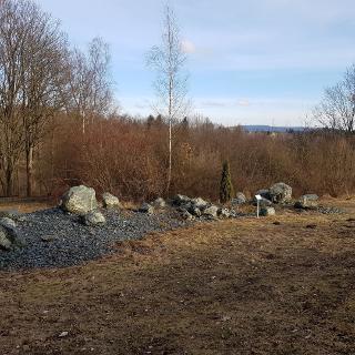 Serpentinit-Parkanlage mit Kornberg-Blick