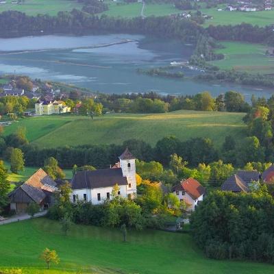 Ortschaft Rupertiberg mit der Kirche