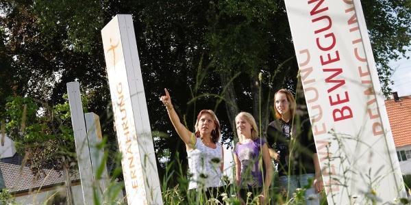 Die 5 Stelen kennzeichnen den Aktiv Park Kneippland Unterallgäu