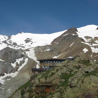 Rifugio Cevedale «G. Larcher» alpine hut