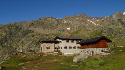 Rifugio Saènt «S. Dorigoni» alpine hut