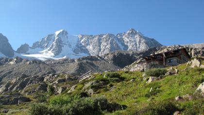 Rifugio Stavel «F. Denza» alpine hut