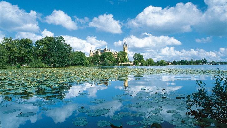 Märchenhafte Kulisse am Schloss Schwerin