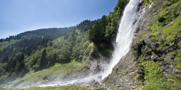 Aufgrund des 97 Meter hohen Hauptfalles und seines wichtigen Gesamterscheinungsbildes zählt der Partschinser Wasserfall zu den beeindruckendsten Wasserfällen der Alpen