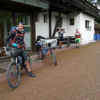 In Oberstdorf - das Rennen beginnt