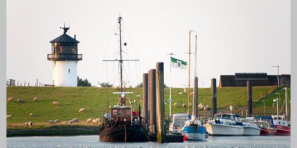 Leuchtturm Dicke Berta, Hafen, Cuxland