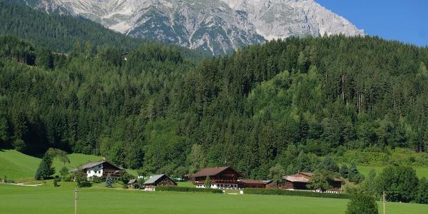 Eine imposante Bergwelt als Wegbegleiter