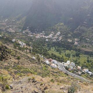 Vista a los pueblos dispersos en el Valle Gran Rey