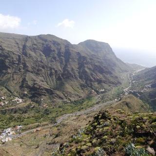 Vista desde el Mirador César Manrique hacia el Valle Gran Rey