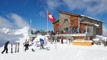 Die Hörnli-Hütte im Winter